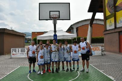 https://www.basketmarche.it/immagini_articoli/31-05-2018/under-15-regionale-basket-maceratese-buon-terzo-posto-al-torneo-matteo-coco-270.jpg