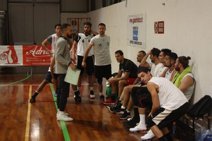 https://www.basketmarche.it/immagini_articoli/31-05-2020/conero-michele-cucchiarelli-speriamo-ripartire-presto-vogliamo-tornare-campo-provare-vincere-600.jpg