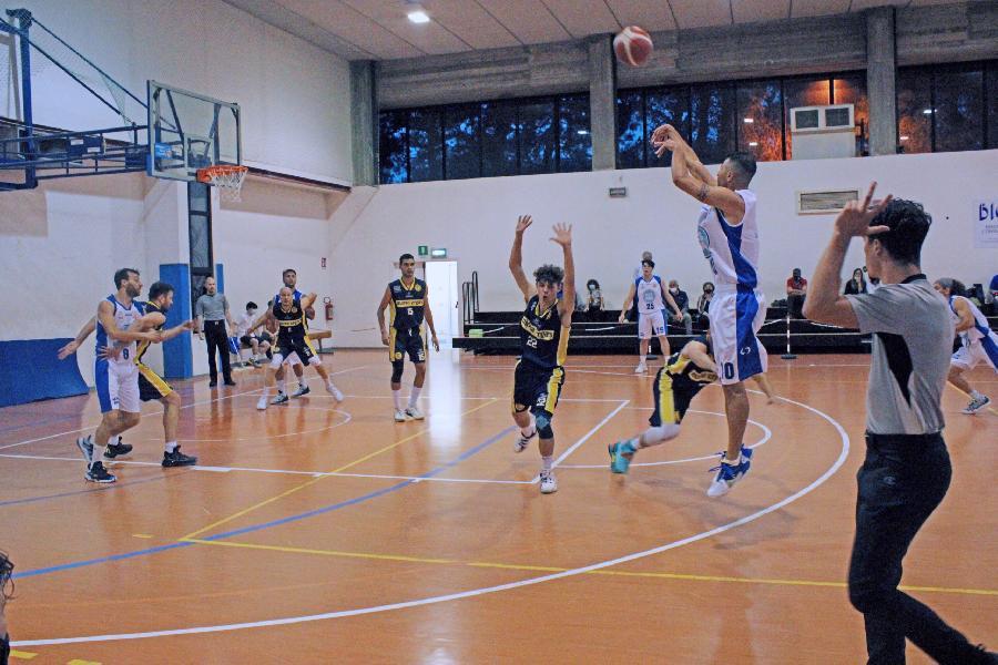 https://www.basketmarche.it/immagini_articoli/31-05-2021/dopo-vittorie-consecutive-arriva-prima-sconfitta-stagionale-porto-sant-elpidio-basket-600.jpg