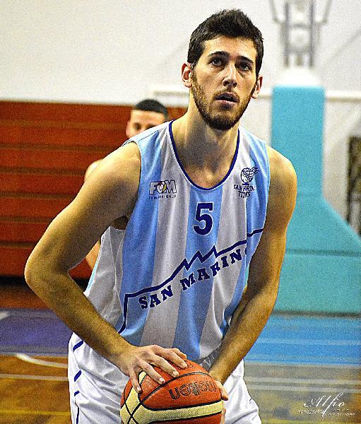 https://www.basketmarche.it/immagini_articoli/31-07-2021/ufficiale-tommaso-gamberini-vestire-maglia-titano-marino-600.jpg