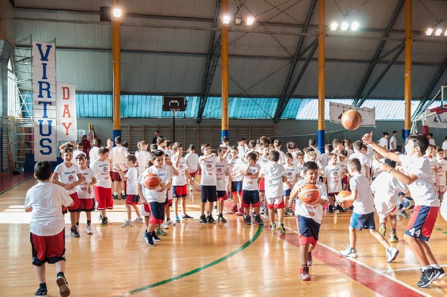 https://www.basketmarche.it/immagini_articoli/31-08-2018/giovanili-attivit-giovanile-minibasket-virtus-assisi-600.jpg