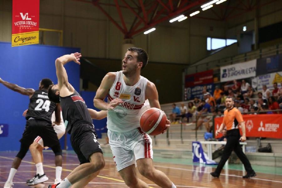 https://www.basketmarche.it/immagini_articoli/31-08-2019/buona-pesaro-supera-oriora-pistoia-trofeo-dukes-sansepolcro-600.jpg