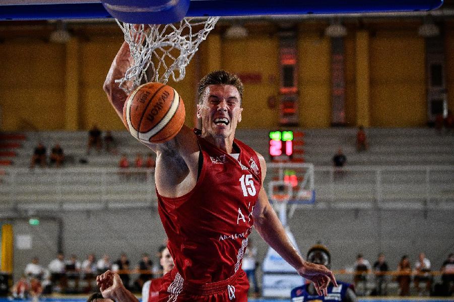 https://www.basketmarche.it/immagini_articoli/31-08-2019/partita-vera-castelletto-ticino-olimpia-milano-supera-casale-monferrato-volata-600.jpg
