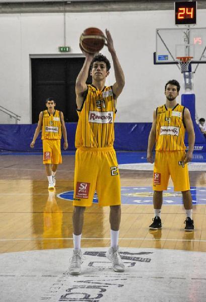 https://www.basketmarche.it/immagini_articoli/31-08-2020/pallacanestro-acqualagna-ufficiale-arrivo-forte-gianni-sabbatini-600.jpg