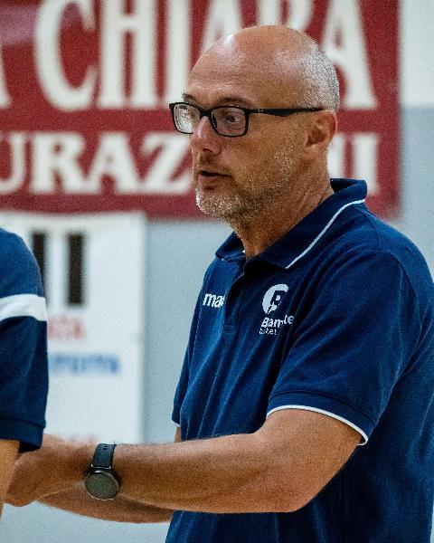 https://www.basketmarche.it/immagini_articoli/31-08-2021/bramante-pesaro-parole-coach-nicolini-dopo-prima-settimana-lavoro-600.jpg
