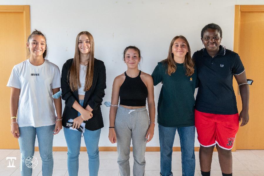 https://www.basketmarche.it/immagini_articoli/31-08-2021/thunder-matelica-fabriano-cinque-ragazze-settore-giovanile-completano-roster-600.jpg