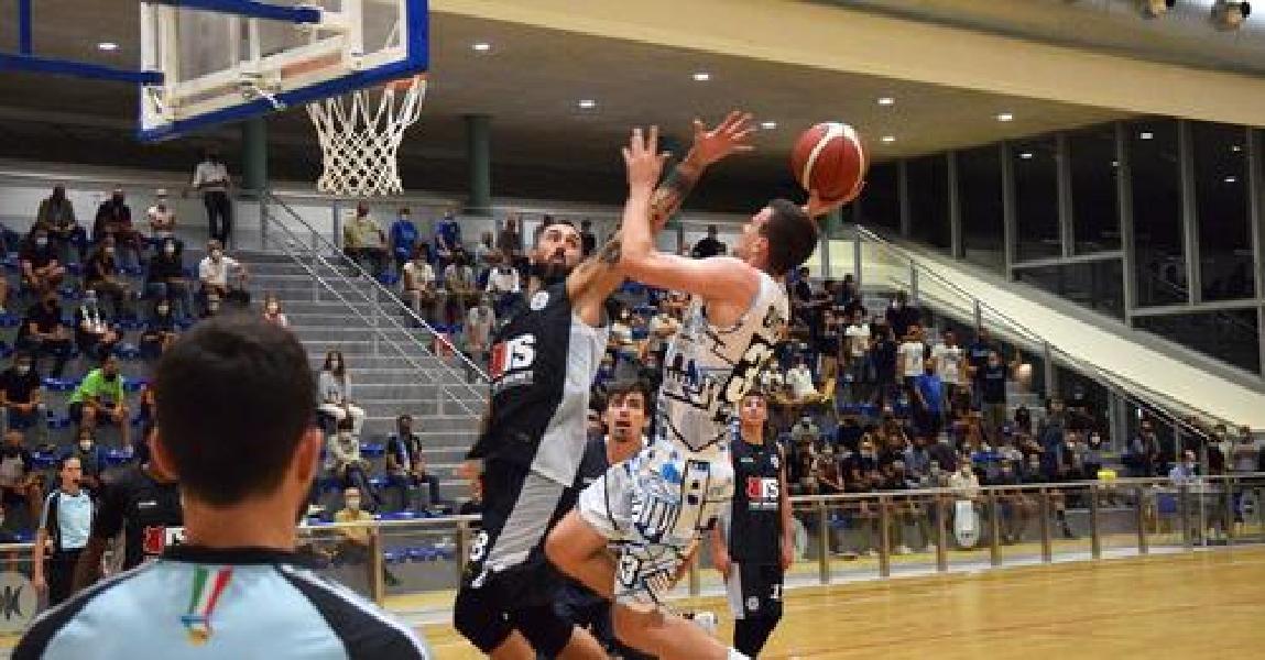 https://www.basketmarche.it/immagini_articoli/31-08-2021/treviso-basket-aggiudica-amichevole-kleb-basket-ferrara-600.jpg