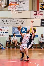 https://www.basketmarche.it/immagini_articoli/31-10-2017/d-regionale-quattro-chiacchiere-con-il-capitano-del-basket-tolentino-adelmo-francesconi-270.jpg