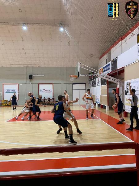 https://www.basketmarche.it/immagini_articoli/31-10-2019/camerino-firma-colpo-espugna-campo-independiente-macerata-600.jpg