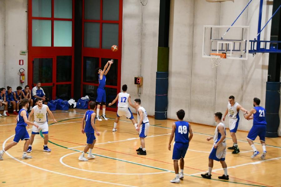https://www.basketmarche.it/immagini_articoli/31-10-2019/prova-forza-pallacanestro-ellera-basket-passignano-600.jpg
