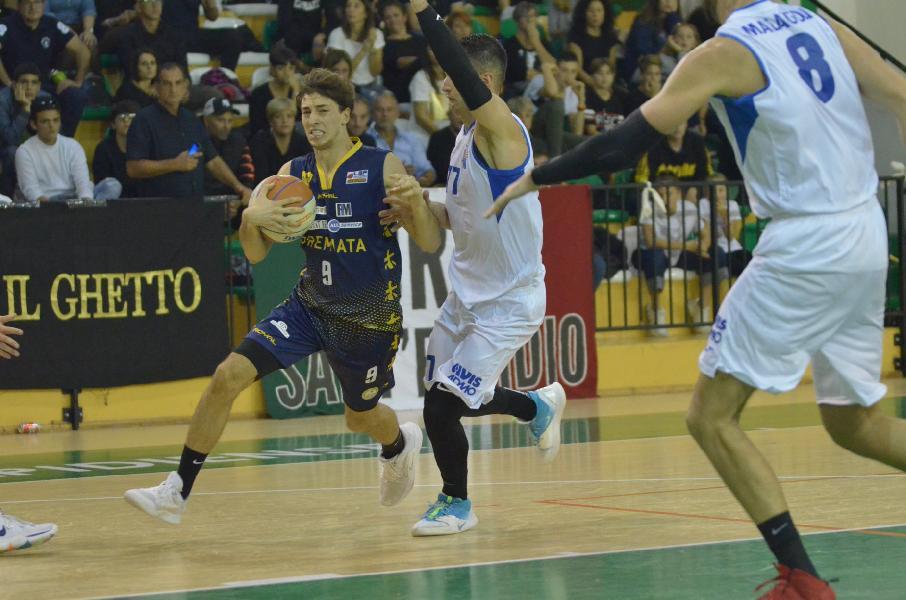 https://www.basketmarche.it/immagini_articoli/31-10-2019/sutor-montegranaro-michele-tremolada-chieti-gara-tirata-dovremo-farci-trovare-pronti-600.jpg