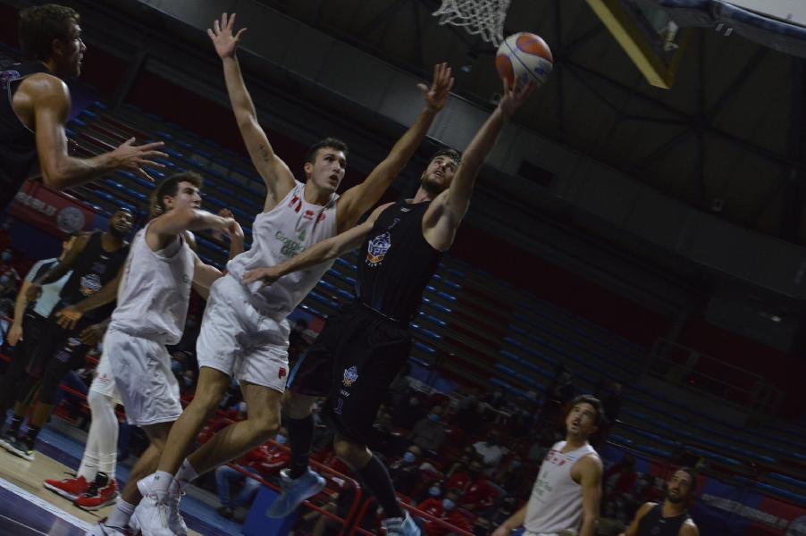 https://www.basketmarche.it/immagini_articoli/31-10-2020/buon-test-amichevole-rieti-campo-chieti-basket-1974-600.jpg