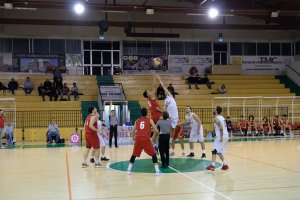 https://www.basketmarche.it/resizer/resize.php?url=https://www.basketmarche.it/immagini_campionati/01-11-2019/1572646771-374-.jpg&size=300x200c0