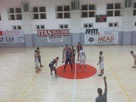 https://www.basketmarche.it/resizer/resize.php?url=https://www.basketmarche.it/immagini_campionati/01-12-2019/1575221882-94-.jpg&size=267x200c0