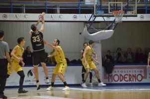 https://www.basketmarche.it/resizer/resize.php?url=https://www.basketmarche.it/immagini_campionati/01-12-2019/1575227911-406-.jpeg&size=302x200c0