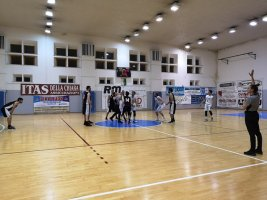 https://www.basketmarche.it/resizer/resize.php?url=https://www.basketmarche.it/immagini_campionati/03-05-2019/1556918540-468-.jpg&size=267x200c0