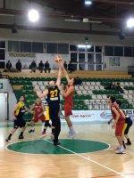 https://www.basketmarche.it/resizer/resize.php?url=https://www.basketmarche.it/immagini_campionati/03-05-2019/1556918563-449-.jpg&size=150x200c0