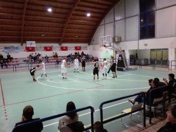 https://www.basketmarche.it/resizer/resize.php?url=https://www.basketmarche.it/immagini_campionati/04-11-2018/1541328744-316-.jpeg&size=360x270c0