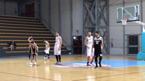 https://www.basketmarche.it/resizer/resize.php?url=https://www.basketmarche.it/immagini_campionati/05-01-2019/1546714470-417-.jpeg&size=480x270c0