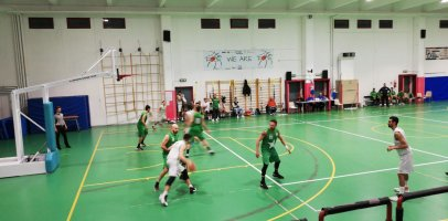 https://www.basketmarche.it/resizer/resize.php?url=https://www.basketmarche.it/immagini_campionati/06-12-2019/1575670785-119-.jpeg&size=406x200c0