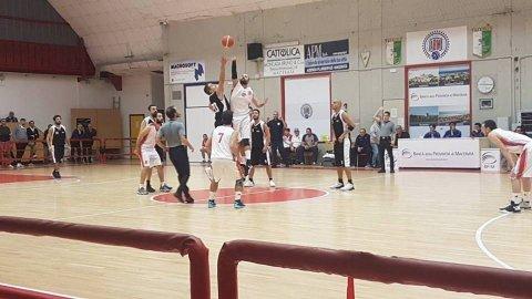 https://www.basketmarche.it/resizer/resize.php?url=https://www.basketmarche.it/immagini_campionati/07-10-2018/1538905009-22-.jpeg&size=480x270c0