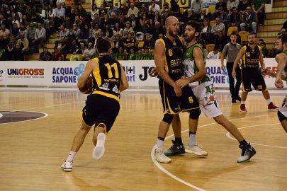 https://www.basketmarche.it/resizer/resize.php?url=https://www.basketmarche.it/immagini_campionati/07-10-2018/1538936215-459-.jpeg&size=405x270c0