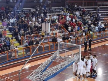 https://www.basketmarche.it/resizer/resize.php?url=https://www.basketmarche.it/immagini_campionati/07-10-2018/1538943691-194-.jpg&size=360x270c0