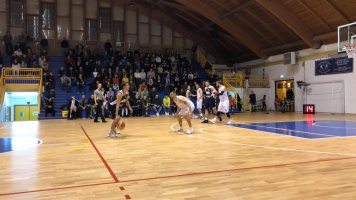 https://www.basketmarche.it/resizer/resize.php?url=https://www.basketmarche.it/immagini_campionati/07-12-2019/1575745316-120-.jpeg&size=356x200c0