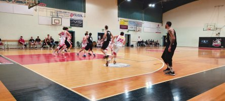 https://www.basketmarche.it/resizer/resize.php?url=https://www.basketmarche.it/immagini_campionati/08-02-2020/1581196938-99-.jpg&size=444x200c0