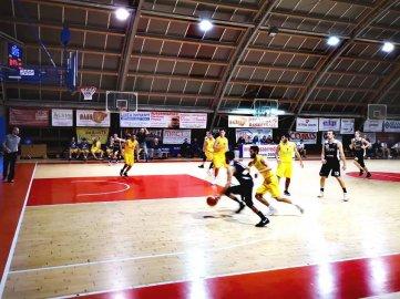 https://www.basketmarche.it/resizer/resize.php?url=https://www.basketmarche.it/immagini_campionati/09-12-2018/1544388470-467-.jpg&size=361x270c0
