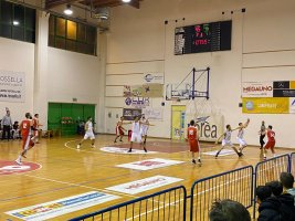 https://www.basketmarche.it/resizer/resize.php?url=https://www.basketmarche.it/immagini_campionati/10-01-2020/1578693982-74-.jpeg&size=267x200c0