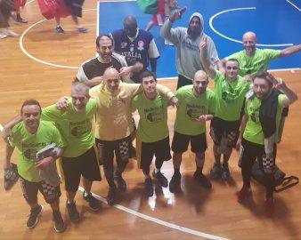 https://www.basketmarche.it/resizer/resize.php?url=https://www.basketmarche.it/immagini_campionati/11-01-2019/1547211215-391-.jpeg&size=338x270c0