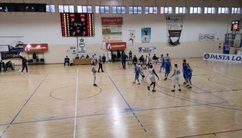 https://www.basketmarche.it/resizer/resize.php?url=https://www.basketmarche.it/immagini_campionati/11-04-2021/1618164982-359-.jpeg&size=351x200c0