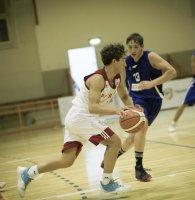 https://www.basketmarche.it/resizer/resize.php?url=https://www.basketmarche.it/immagini_campionati/11-10-2019/1570795622-26-.jpg&size=195x200c0