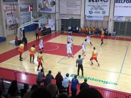 https://www.basketmarche.it/resizer/resize.php?url=https://www.basketmarche.it/immagini_campionati/11-11-2018/1541964241-378-.jpeg&size=267x200c0