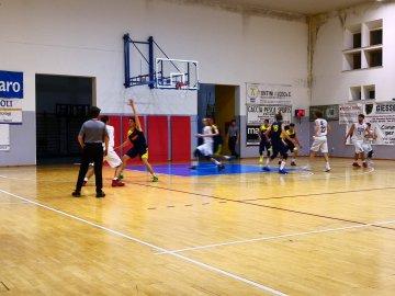 https://www.basketmarche.it/resizer/resize.php?url=https://www.basketmarche.it/immagini_campionati/15-03-2019/1552689156-181-.jpeg&size=360x270c0