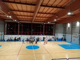 https://www.basketmarche.it/resizer/resize.php?url=https://www.basketmarche.it/immagini_campionati/15-12-2019/1576435925-41-.jpg&size=267x200c0