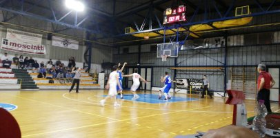 https://www.basketmarche.it/resizer/resize.php?url=https://www.basketmarche.it/immagini_campionati/16-04-2019/1555449547-194-.jpeg&size=406x200c0