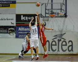 https://www.basketmarche.it/resizer/resize.php?url=https://www.basketmarche.it/immagini_campionati/16-05-2021/1621197829-452-.jpeg&size=250x200c0