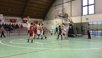 https://www.basketmarche.it/resizer/resize.php?url=https://www.basketmarche.it/immagini_campionati/17-03-2019/1552814539-84-.jpeg&size=355x200c0