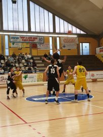 https://www.basketmarche.it/resizer/resize.php?url=https://www.basketmarche.it/immagini_campionati/17-03-2019/1552818324-464-.jpeg&size=203x270c0