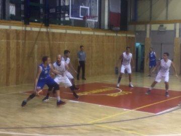 https://www.basketmarche.it/resizer/resize.php?url=https://www.basketmarche.it/immagini_campionati/17-11-2018/1542446107-82-.jpeg&size=360x270c0