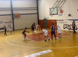 https://www.basketmarche.it/resizer/resize.php?url=https://www.basketmarche.it/immagini_campionati/17-11-2019/1574013467-447-.jpg&size=273x200c0