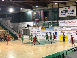https://www.basketmarche.it/resizer/resize.php?url=https://www.basketmarche.it/immagini_campionati/18-10-2019/1571433370-475-.jpg&size=267x200c0