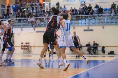 https://www.basketmarche.it/resizer/resize.php?url=https://www.basketmarche.it/immagini_campionati/18-11-2018/1542579117-258-.jpeg&size=405x270c0