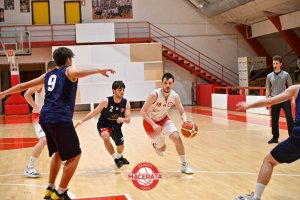 https://www.basketmarche.it/resizer/resize.php?url=https://www.basketmarche.it/immagini_campionati/19-05-2021/1621456703-26-.jpg&size=300x200c0