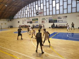 https://www.basketmarche.it/resizer/resize.php?url=https://www.basketmarche.it/immagini_campionati/19-10-2019/1571502944-113-.jpg&size=267x200c0