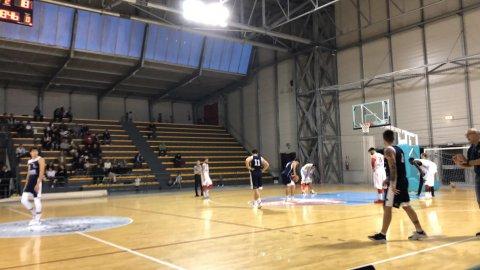 https://www.basketmarche.it/resizer/resize.php?url=https://www.basketmarche.it/immagini_campionati/20-10-2018/1540054143-360-.jpeg&size=480x270c0