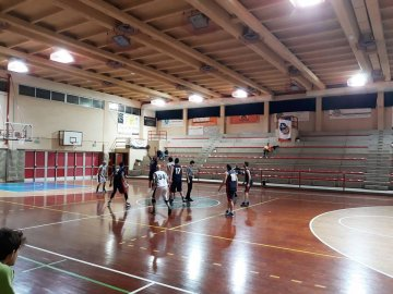 https://www.basketmarche.it/resizer/resize.php?url=https://www.basketmarche.it/immagini_campionati/20-11-2018/1542738436-119-.jpg&size=360x270c0