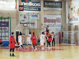 https://www.basketmarche.it/resizer/resize.php?url=https://www.basketmarche.it/immagini_campionati/21-05-2021/1621618832-389-.jpg&size=267x200c0